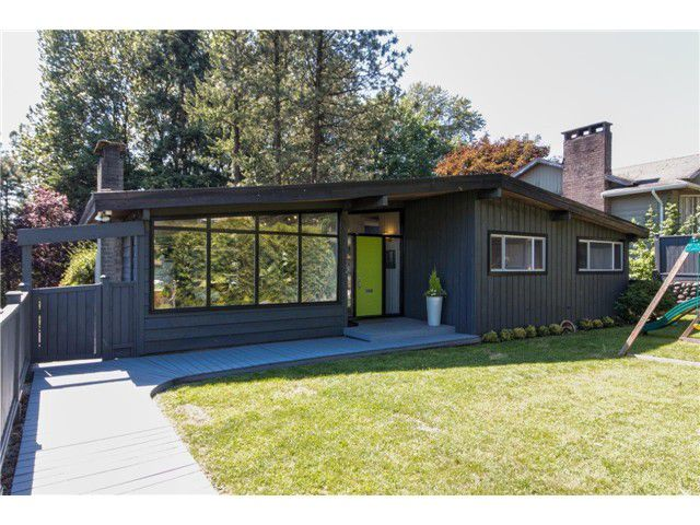 """Main Photo: 722 CUMBERLAND Street in New Westminster: The Heights NW House for sale in """"THE HEIGHTS"""" : MLS®# V1123630"""