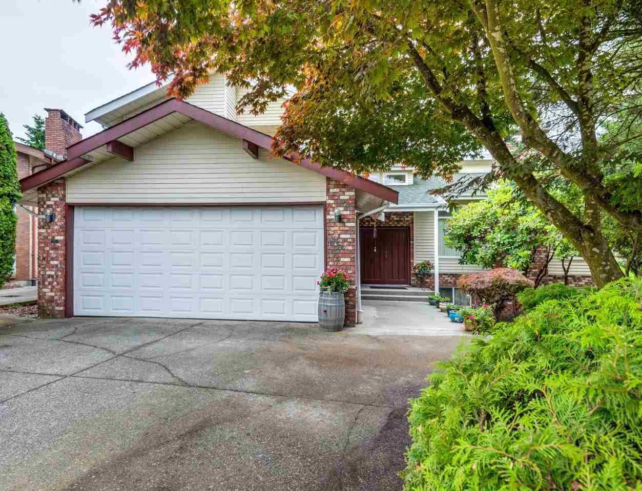 Main Photo: 2924 ROSEGLEN Court in Burnaby: Montecito House for sale (Burnaby North)  : MLS®# R2179852
