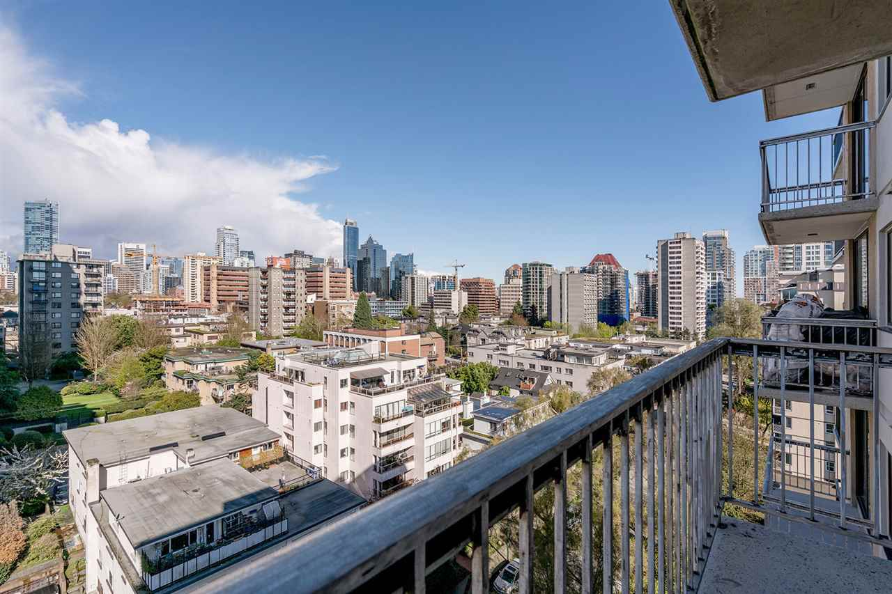 "Main Photo: 1204 1146 HARWOOD Street in Vancouver: West End VW Condo for sale in ""THE LAMPLIGHTER"" (Vancouver West)  : MLS®# R2185943"