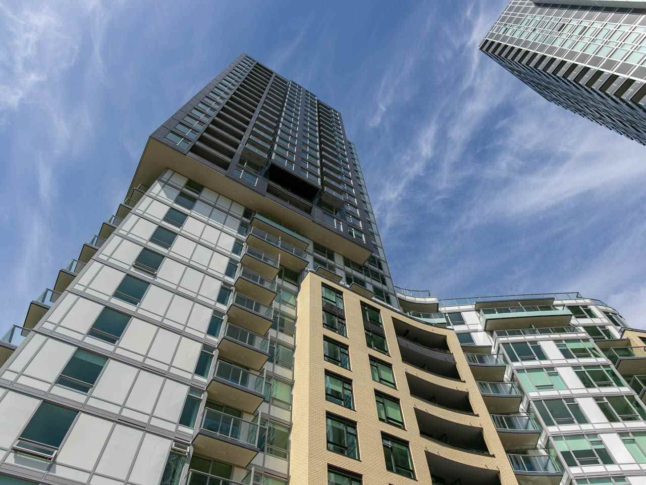 """Main Photo: 710 5470 ORMIDALE Street in Vancouver: Collingwood VE Condo for sale in """"Wall Centre Central Park Tower 3"""" (Vancouver East)  : MLS®# R2275361"""