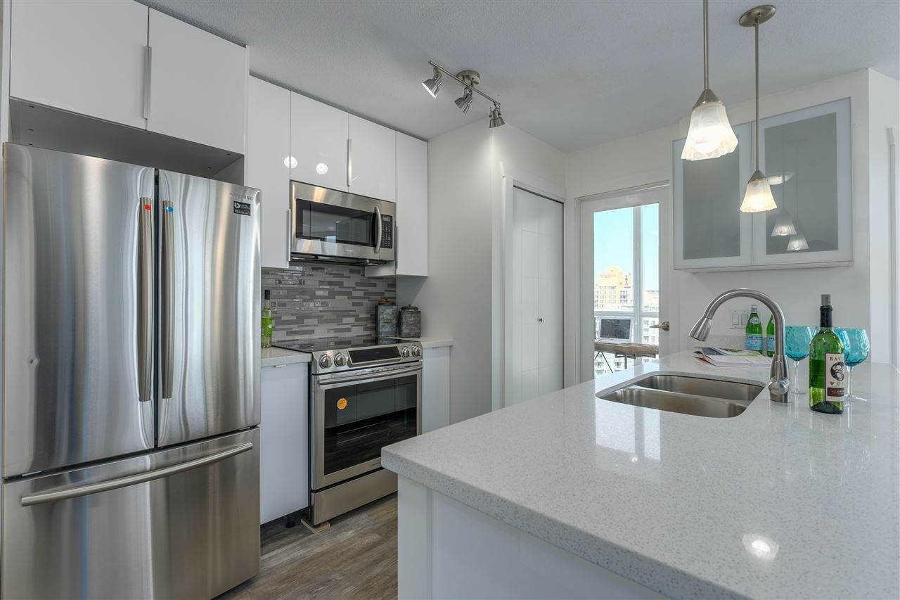 """Main Photo: 2102 1199 SEYMOUR Street in Vancouver: Downtown VW Condo for sale in """"BRAVA"""" (Vancouver West)  : MLS®# R2288293"""