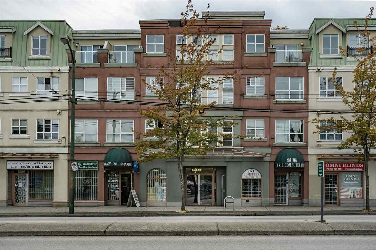 """Main Photo: W409 488 KINGSWAY Avenue in Vancouver: Mount Pleasant VE Condo for sale in """"HARVARD PLACE"""" (Vancouver East)  : MLS®# R2304937"""