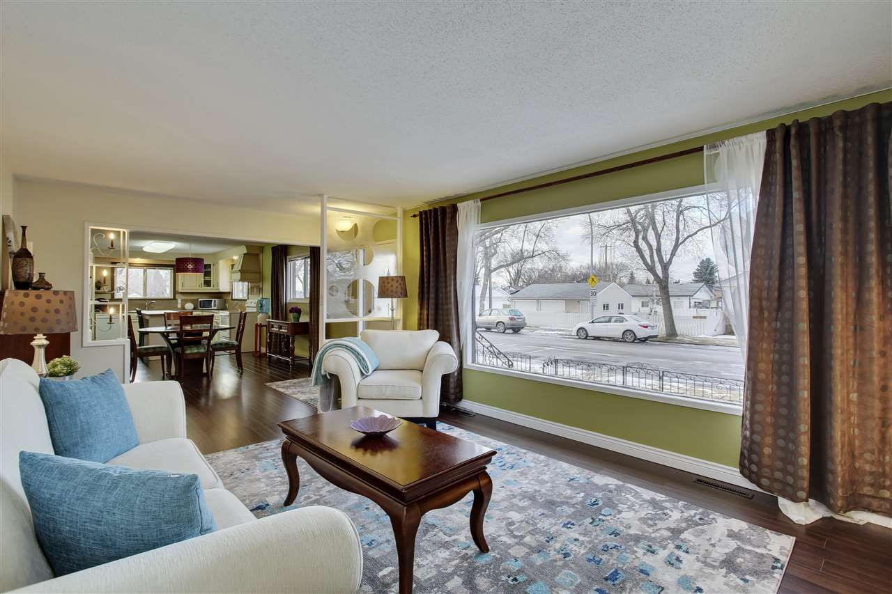 Main Photo: 11115 40 street in Edmonton: Zone 23 House for sale : MLS®# E4137168
