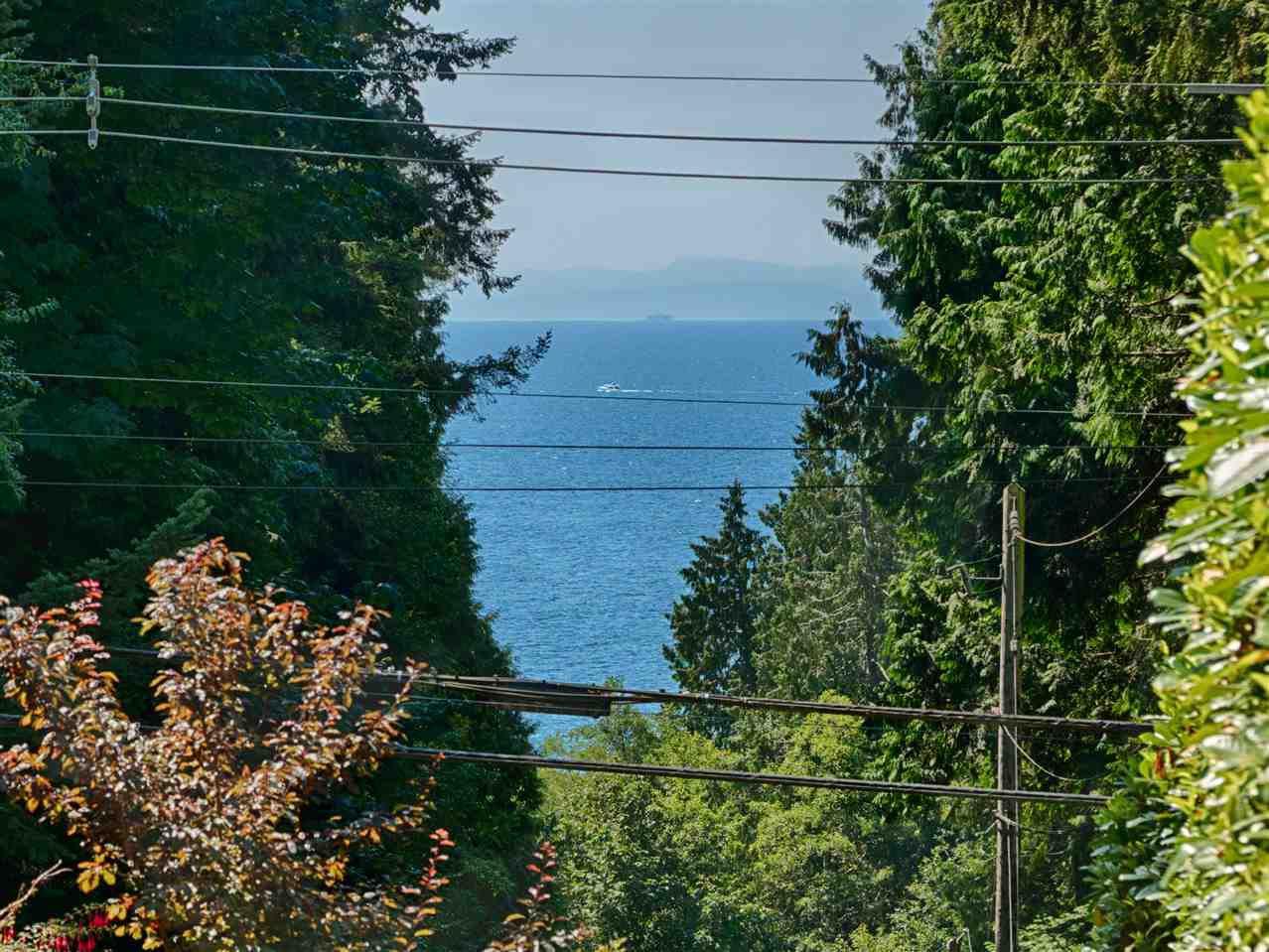 Main Photo: 1998 LOWER Road: Roberts Creek House for sale (Sunshine Coast)  : MLS®# R2333152