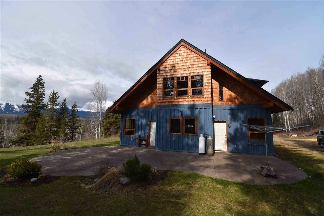 Main Photo: 27775 TELKWA HIGH Road in Smithers: Smithers - Rural House for sale (Smithers And Area (Zone 54))  : MLS®# R2349759