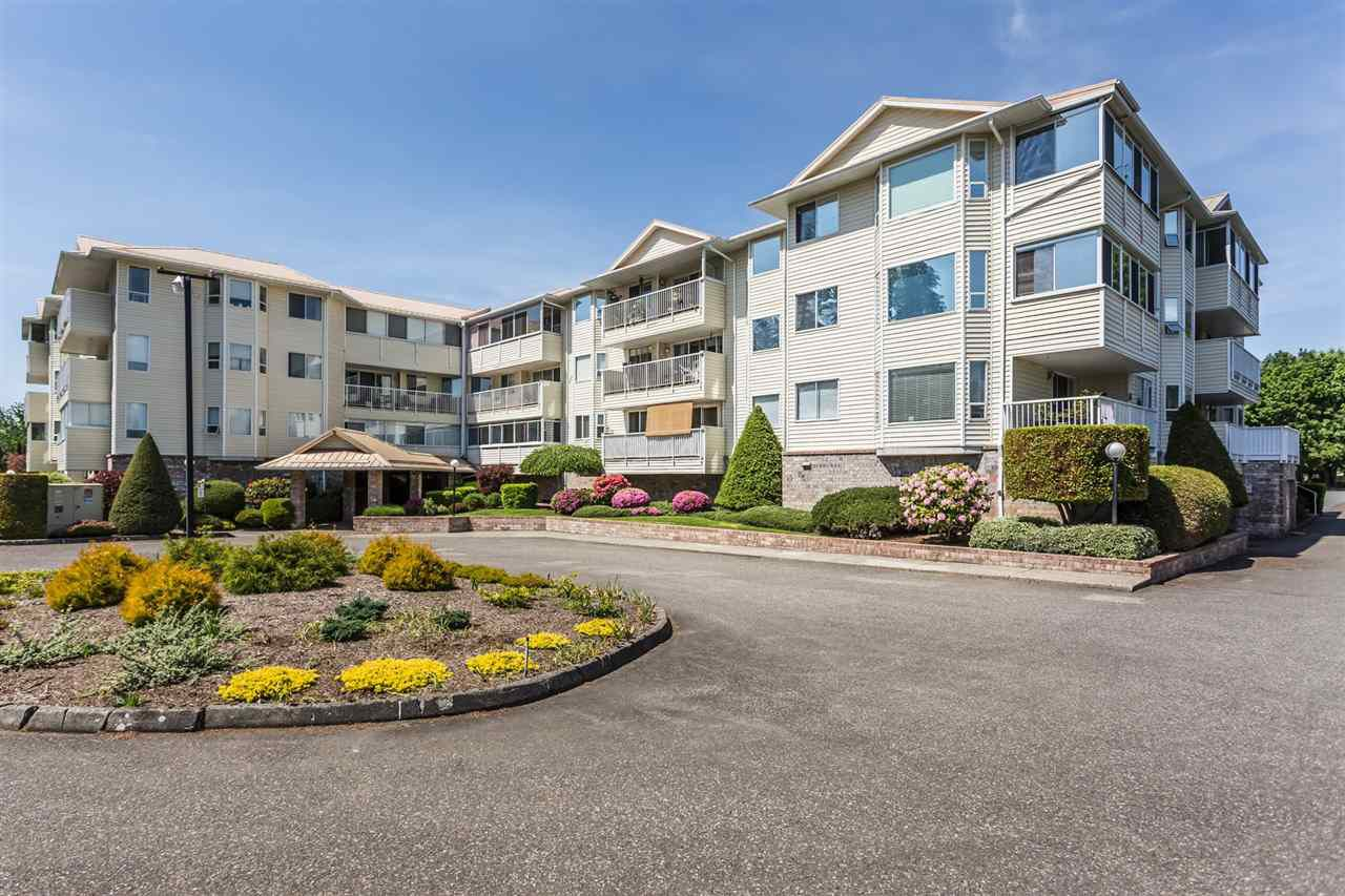 Main Photo: 104 8725 ELM Drive in Chilliwack: Chilliwack E Young-Yale Condo for sale : MLS®# R2357842