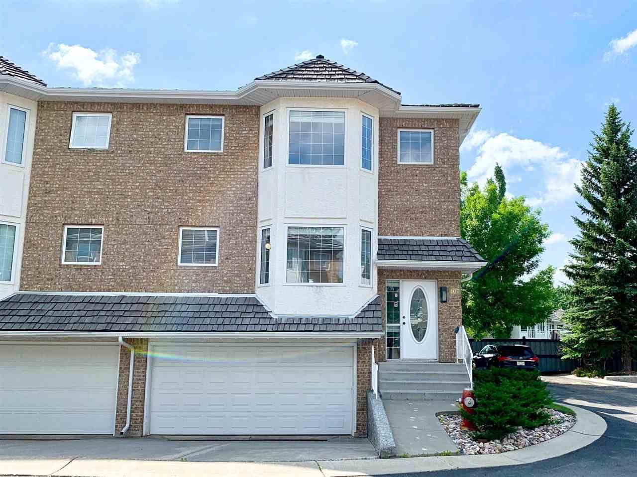Main Photo: 107 EAGLE RIDGE Place in Edmonton: Zone 14 Townhouse for sale : MLS®# E4152158