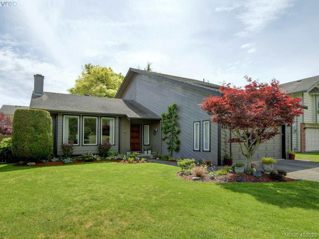 Main Photo: 4362 Paramont Place in VICTORIA: SE Gordon Head Single Family Detached for sale (Saanich East)  : MLS®# 410833