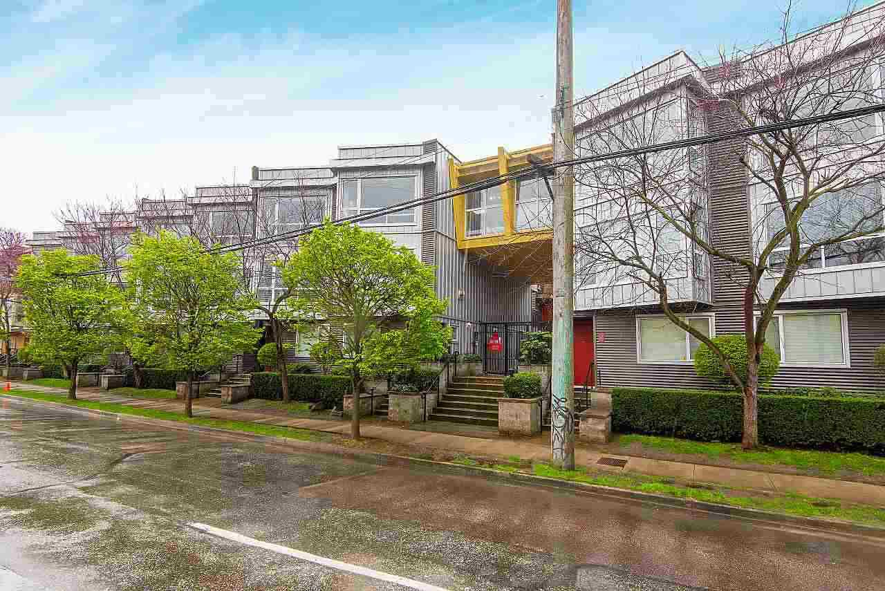 """Main Photo: 208 670 W 6TH Avenue in Vancouver: Fairview VW Townhouse for sale in """"Bohemia"""" (Vancouver West)  : MLS®# R2379854"""