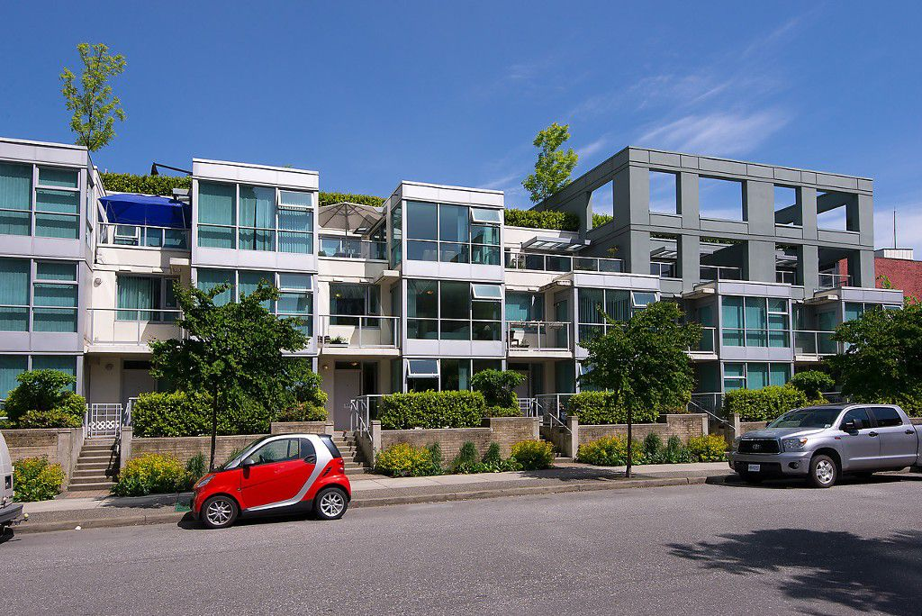 """Main Photo: 149 MILROSS Avenue in Vancouver: Mount Pleasant VE Townhouse for sale in """"CREEKSIDE"""" (Vancouver East)  : MLS®# V1065710"""