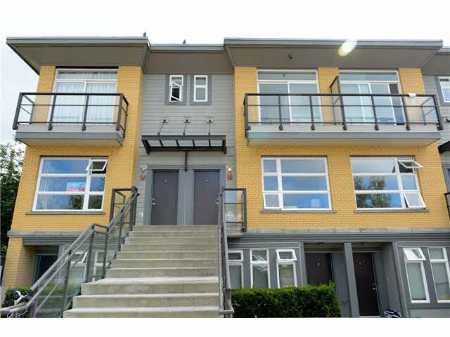 """Main Photo: 207 5568 KINGS Road in Vancouver: University VW Townhouse for sale in """"GALLERIA"""" (Vancouver West)  : MLS®# V1087874"""