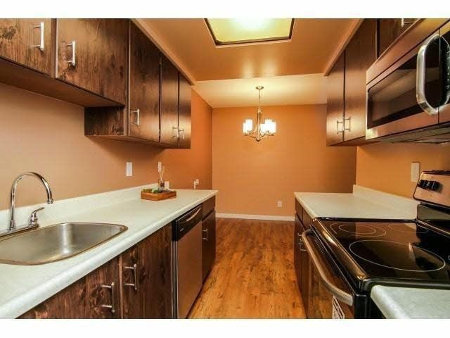 """Main Photo: 109 20420 54TH Avenue in Langley: Langley City Condo for sale in """"RIDGEWOOD MANOR"""" : MLS®# F1432627"""