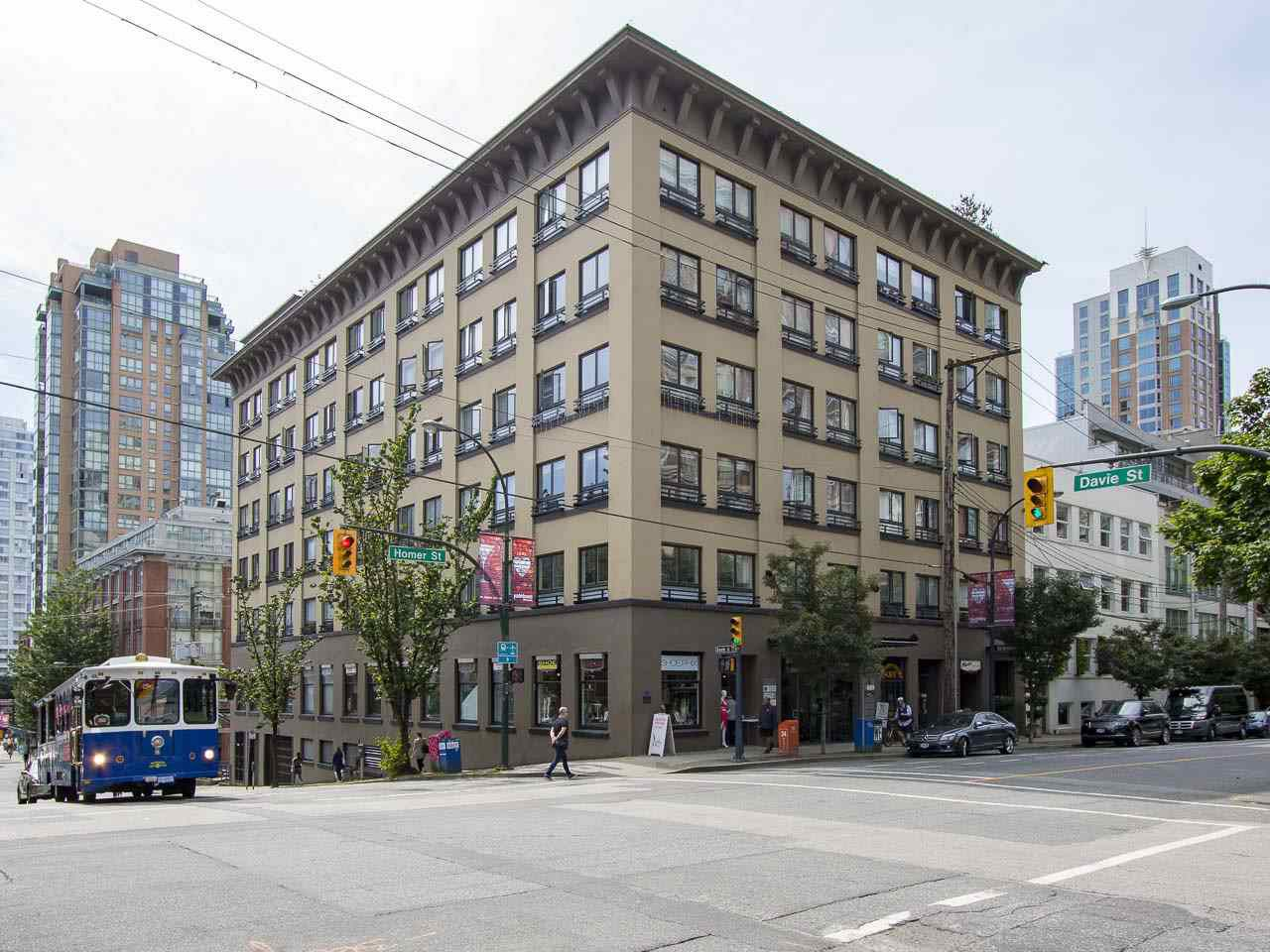 """Main Photo: 411 1216 HOMER Street in Vancouver: Yaletown Condo for sale in """"Murchies Building"""" (Vancouver West)  : MLS®# R2076567"""