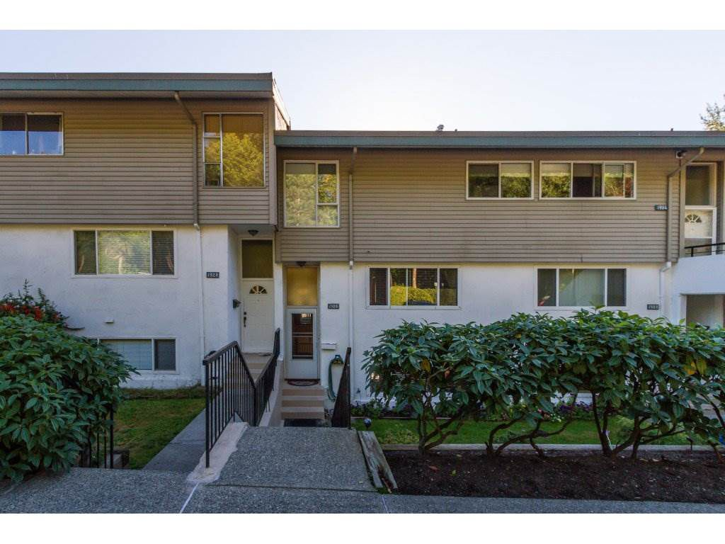 """Main Photo: 1926 HIGHVIEW Place in Port Moody: College Park PM Townhouse for sale in """"HIGHVIEW PLACE"""" : MLS®# R2108313"""