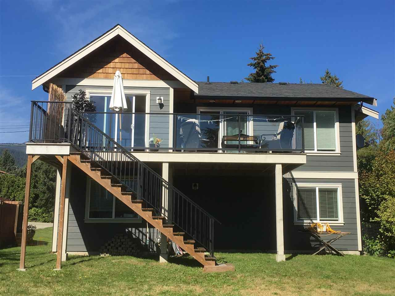 Photo 2: Photos: 733 TRICKLEBROOK Way in Gibsons: Gibsons & Area House for sale (Sunshine Coast)  : MLS®# R2109437