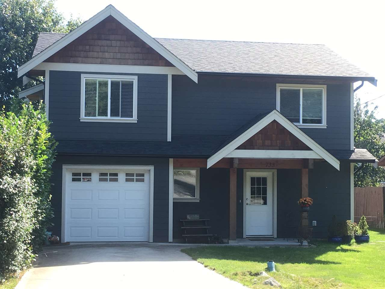 Photo 1: Photos: 733 TRICKLEBROOK Way in Gibsons: Gibsons & Area House for sale (Sunshine Coast)  : MLS®# R2109437