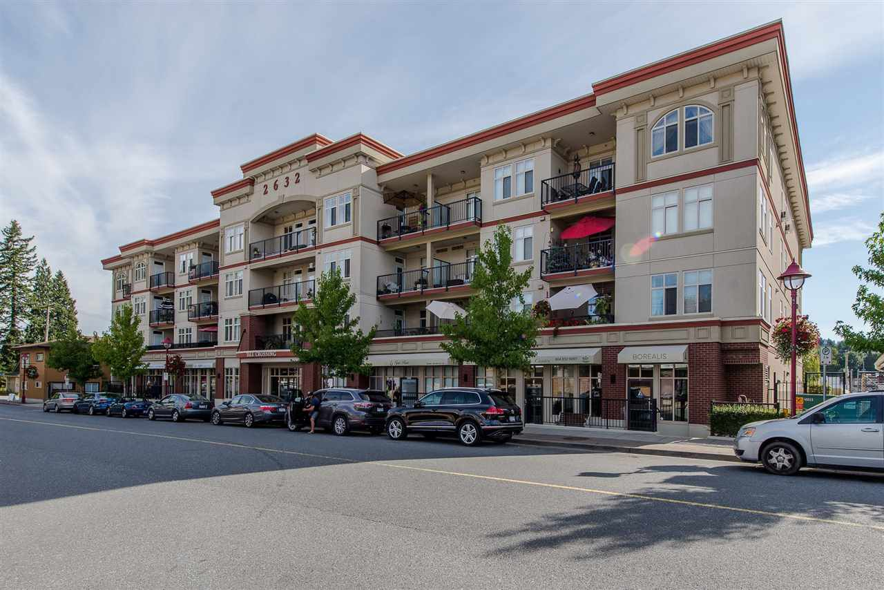 """Main Photo: 413 2632 PAULINE Street in Abbotsford: Central Abbotsford Condo for sale in """"Yale Crossing"""" : MLS®# R2200392"""