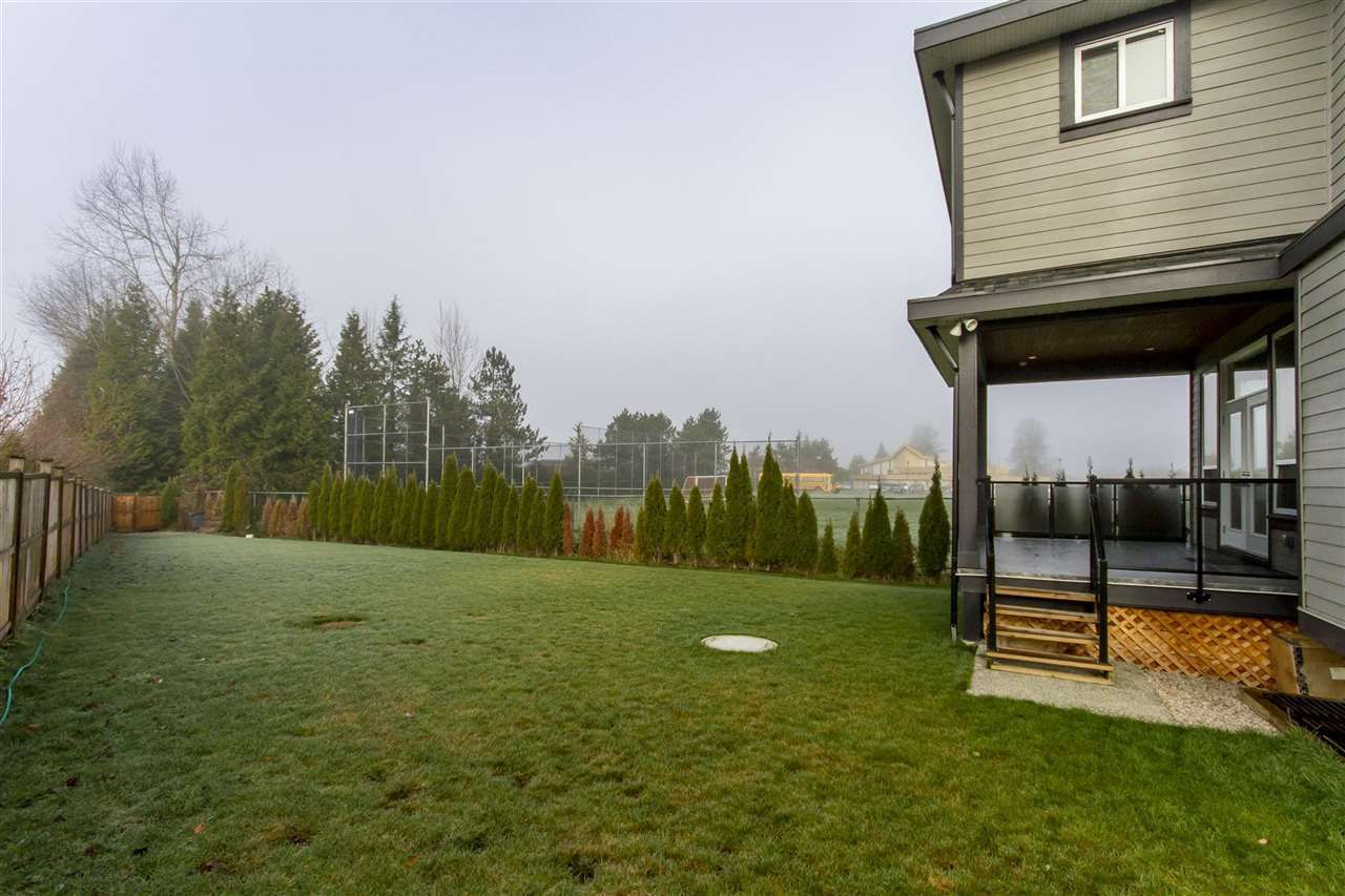 Photo 11: Photos: 21833 51 Avenue in Langley: Murrayville House for sale : MLS®# R2227348