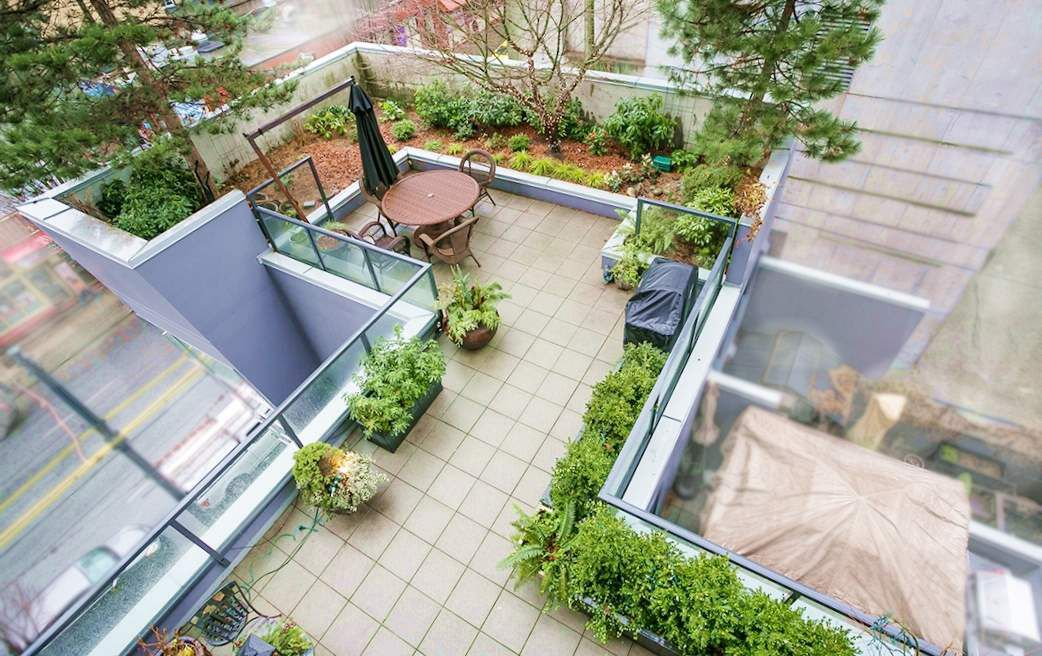 """Main Photo: 403 1199 SEYMOUR Street in Vancouver: Downtown VW Condo for sale in """"BRAVA"""" (Vancouver West)  : MLS®# R2231945"""
