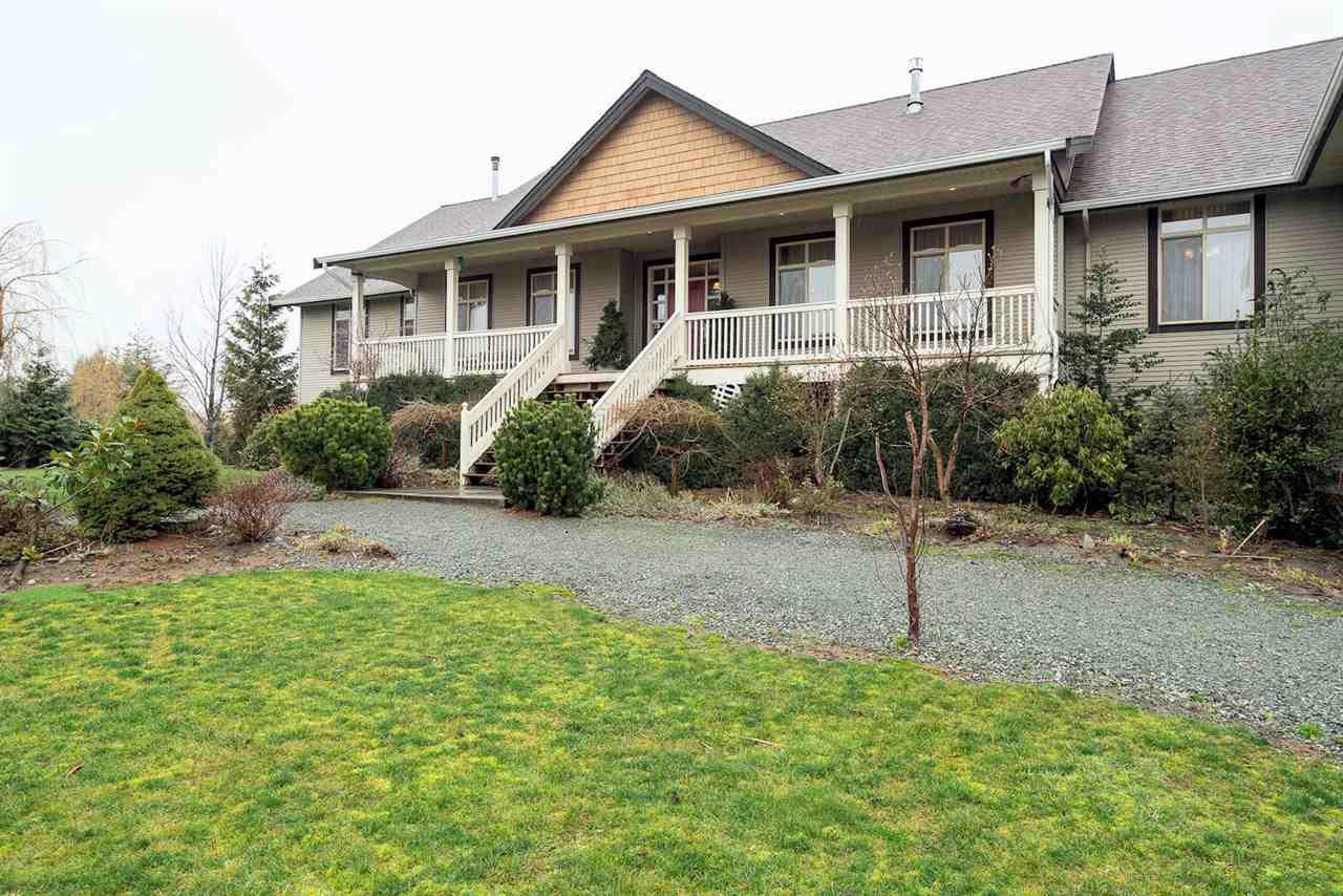 Main Photo: 608 ARNOLD Road in Abbotsford: Sumas Prairie House for sale : MLS®# R2237611
