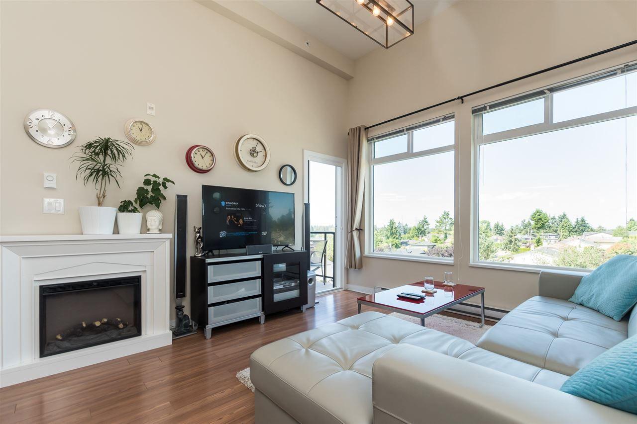 "Main Photo: 421 7511 120 Street in Delta: Scottsdale Condo for sale in ""Atria"" (N. Delta)  : MLS®# R2299743"