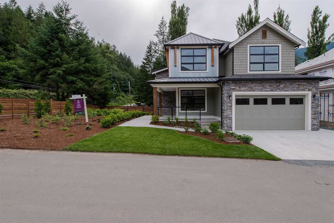 """Photo 2: Photos: 1 1885 COLUMBIA VALLEY Road: Lindell Beach House for sale in """"Aquadel Crossing"""" (Cultus Lake)  : MLS®# R2351712"""