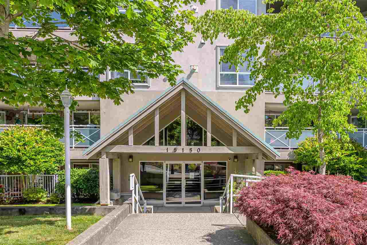 "Main Photo: 305 15150 29A Avenue in Surrey: King George Corridor Condo for sale in ""THE SANDS II"" (South Surrey White Rock)  : MLS®# R2382604"
