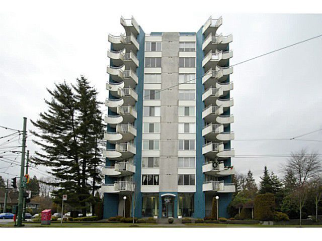 """Main Photo: 202 4691 W 10TH Avenue in Vancouver: Point Grey Condo for sale in """"WESTGATE"""" (Vancouver West)  : MLS®# V1042017"""