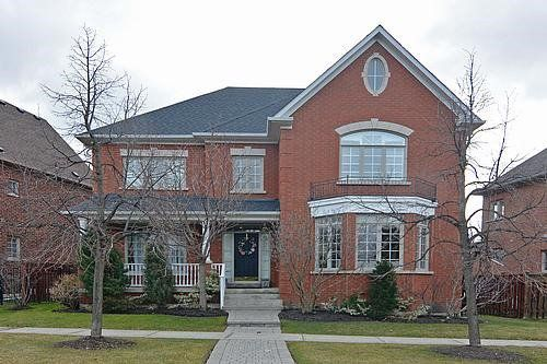 Main Photo: 41 The Fairways in Markham: Angus Glen House (2-Storey) for sale : MLS®# N3409726