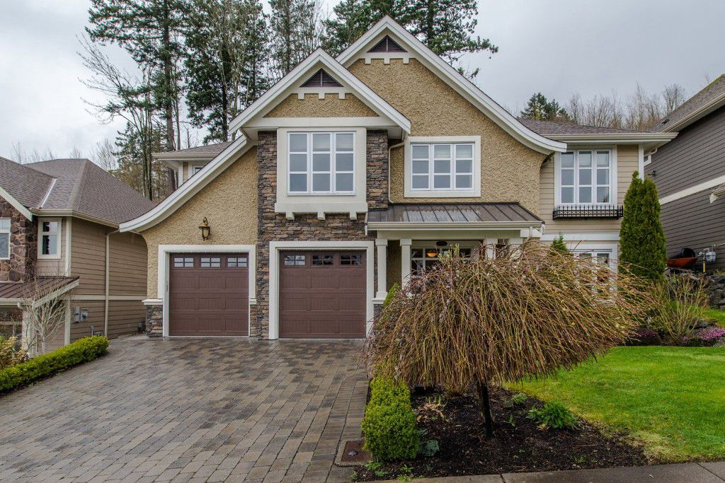 """Main Photo: 3282 BOXWOOD Court in Abbotsford: Abbotsford East House for sale in """"The Highlands"""" : MLS®# R2049966"""