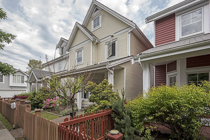 "Main Photo: 216 3000 RIVERBEND Drive in Coquitlam: Coquitlam East House for sale in ""RIVERBEND"" : MLS®# R2063974"