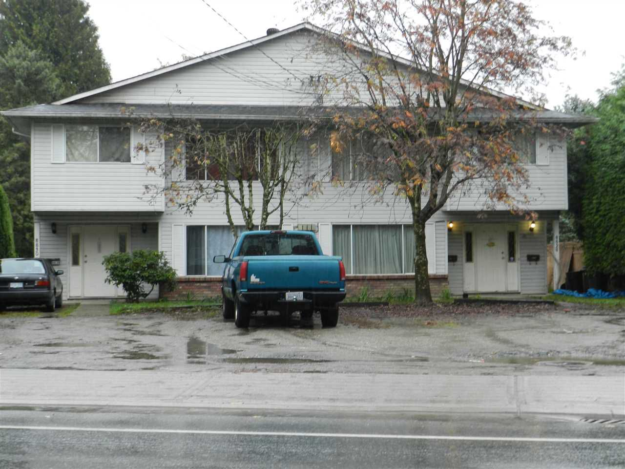 Main Photo: 8828 - 8830 ASHWELL Road in Chilliwack: Chilliwack W Young-Well House Duplex for sale : MLS®# R2119904