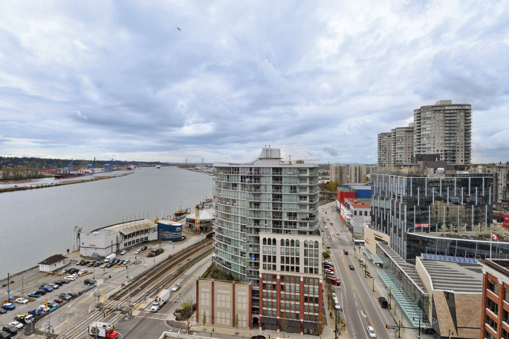 """Main Photo: 1903 668 COLUMBIA Street in New Westminster: Quay Condo for sale in """"TRAPP+HOLBROOK"""" : MLS®# R2156236"""