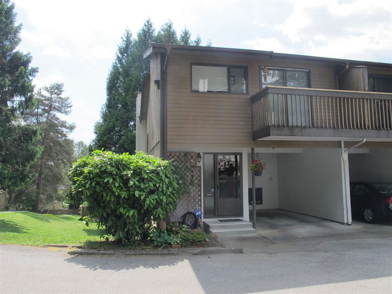 Main Photo: 2899 CORONA Drive in Burnaby: Simon Fraser Hills Townhouse for sale (Burnaby North)  : MLS®# R2182431