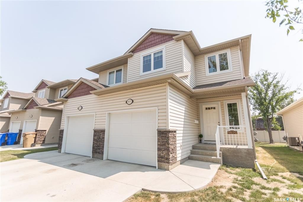 Main Photo: 857 CONNAUGHT Street in Regina: Rosemont Townhouse (Condo) for sale : MLS®# SK700432