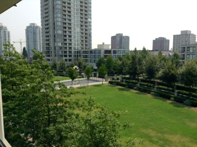 """Main Photo: 308 7108 COLLIER Street in Burnaby: Highgate Condo for sale in """"ARCADIA WEST"""" (Burnaby South)  : MLS®# R2196624"""