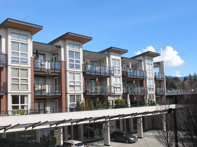 Main Photo: 411 1177 MARINE Drive in North Vancouver: Norgate Condo for sale : MLS®# R2252791
