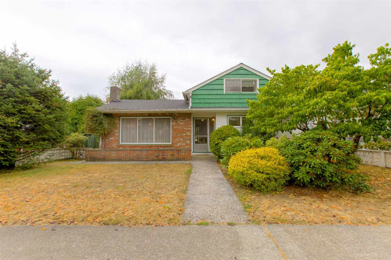 """Main Photo: 6715 BUTLER Street in Vancouver: Killarney VE House for sale in """"Killarney"""" (Vancouver East)  : MLS®# R2297146"""