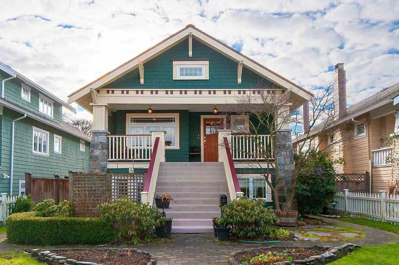Main Photo: 3028 W 5TH Avenue in Vancouver: Kitsilano House 1/2 Duplex for sale (Vancouver West)  : MLS®# R2335620