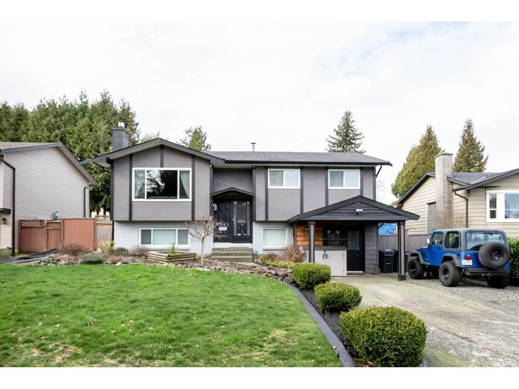 Main Photo: 3007 265B Street in Langley: Aldergrove Langley House for sale : MLS®# R2336850
