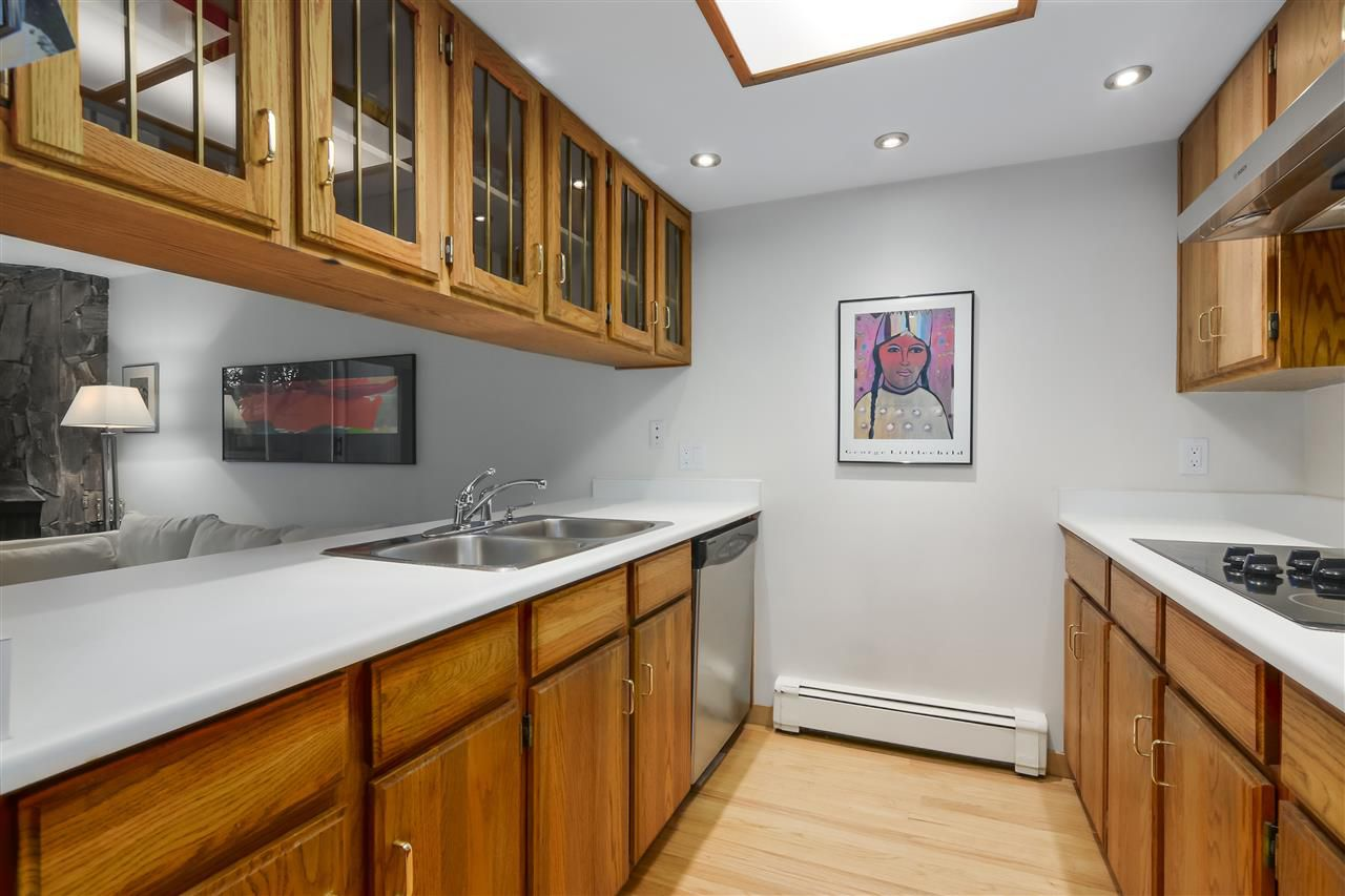 Photo 10: Photos: 1033 W 8TH Avenue in Vancouver: Fairview VW Townhouse for sale (Vancouver West)  : MLS®# R2357973