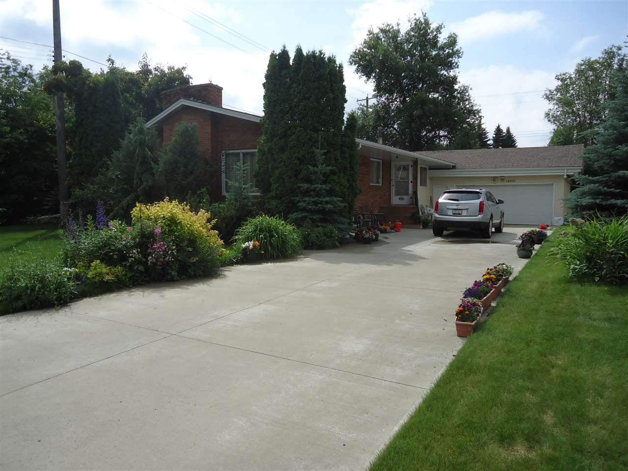 Main Photo: 14011 90 Avenue in Edmonton: Zone 10 House for sale : MLS®# E4164927
