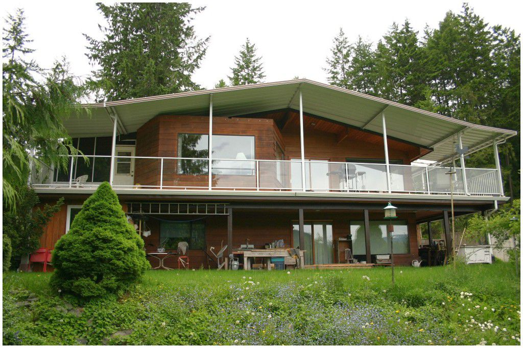 Main Photo: 2312 Lakeview Drive in Blind Bay: Cedar Heights House for sale : MLS®# 10065891