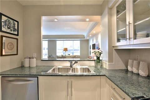 Photo 4: Photos: 203 2 E Roxborough Street in Toronto: Rosedale-Moore Park Condo for sale (Toronto C09)  : MLS®# C3306763