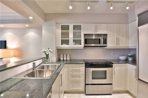 Photo 3: Photos: 203 2 E Roxborough Street in Toronto: Rosedale-Moore Park Condo for sale (Toronto C09)  : MLS®# C3306763