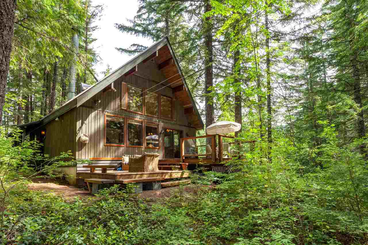 "Main Photo: 6 RIDGE Drive in Whistler: Black Tusk - Pinecrest House for sale in ""Pinecrest Estates"" : MLS®# R2077605"