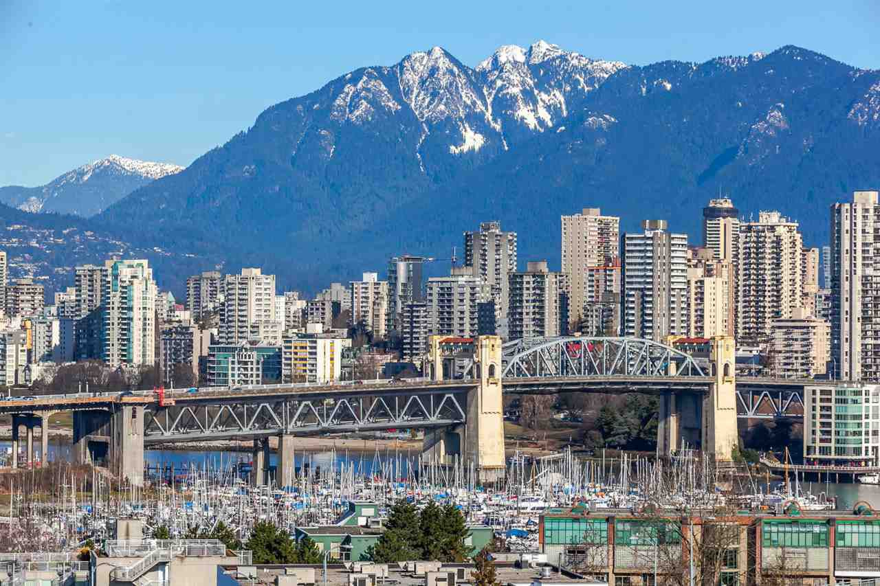 """Main Photo: 1105 1565 W 6TH Avenue in Vancouver: False Creek Condo for sale in """"6th & Fir"""" (Vancouver West)  : MLS®# R2138649"""
