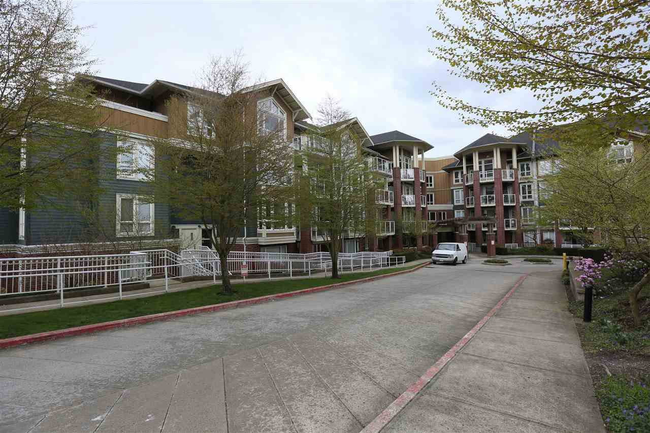Main Photo: 307 14 E ROYAL AVENUE in New Westminster: Fraserview NW Condo for sale : MLS®# R2157525