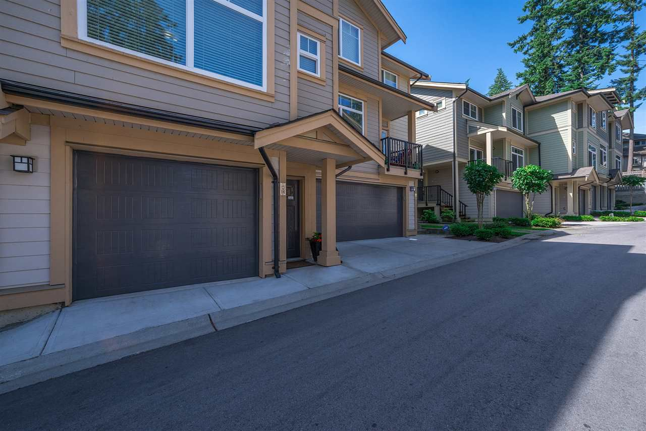 """Main Photo: 18 5957 152 Street in Surrey: Sullivan Station Townhouse for sale in """"Panorama Station"""" : MLS®# R2187261"""