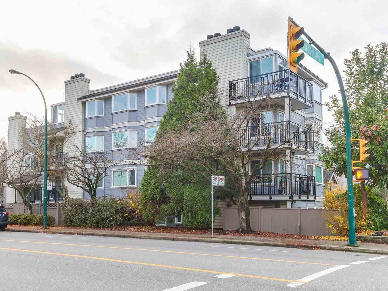 Main Photo: 9 1606 W 10TH Avenue in Vancouver: Fairview VW Condo for sale (Vancouver West)  : MLS®# R2224878